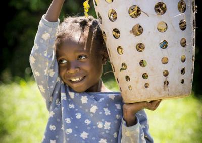 Lake-Nakuru-Orphanage-Julie-Geldard-8x12-7444